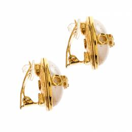 Chanel Vintage Faux Pearl Gold Tone Round Clip-on Stud Earrings 210252