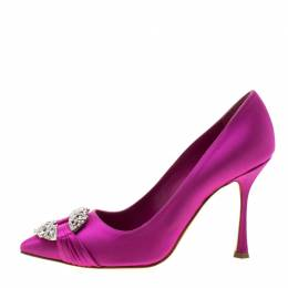 Manolo Blahnik Pink Satin Maidu Crystal Embellished Pointed Toe Pumps Size 37.5 210885