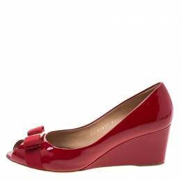 Salvatore Ferragamo Red Patent Leather Sissi Bow Peep Toe Wedge Pumps Size 39 211291